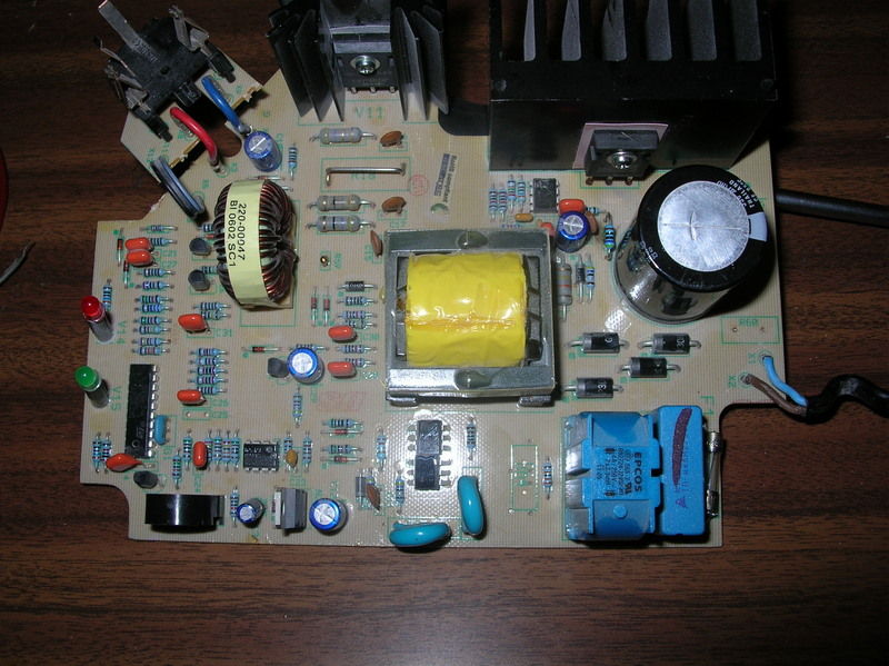 Schema Elettrico Caricabatterie Wireless : Caricabatterie per tassellatrice berner un